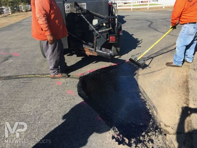 A road crew in California repairs fatigue cracking (also known as alligators/crocodiles or spider-web cracking) with GAP Mastic.